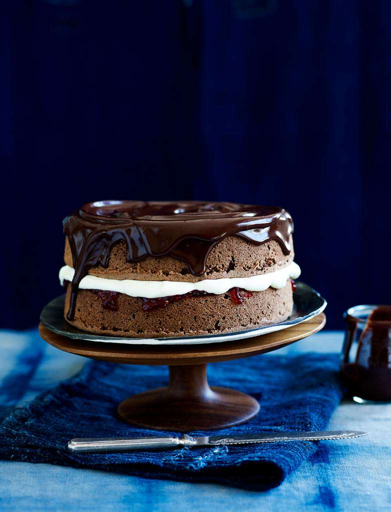 Chocolate-Cream-Jam-Sponge-Cake-022-1
