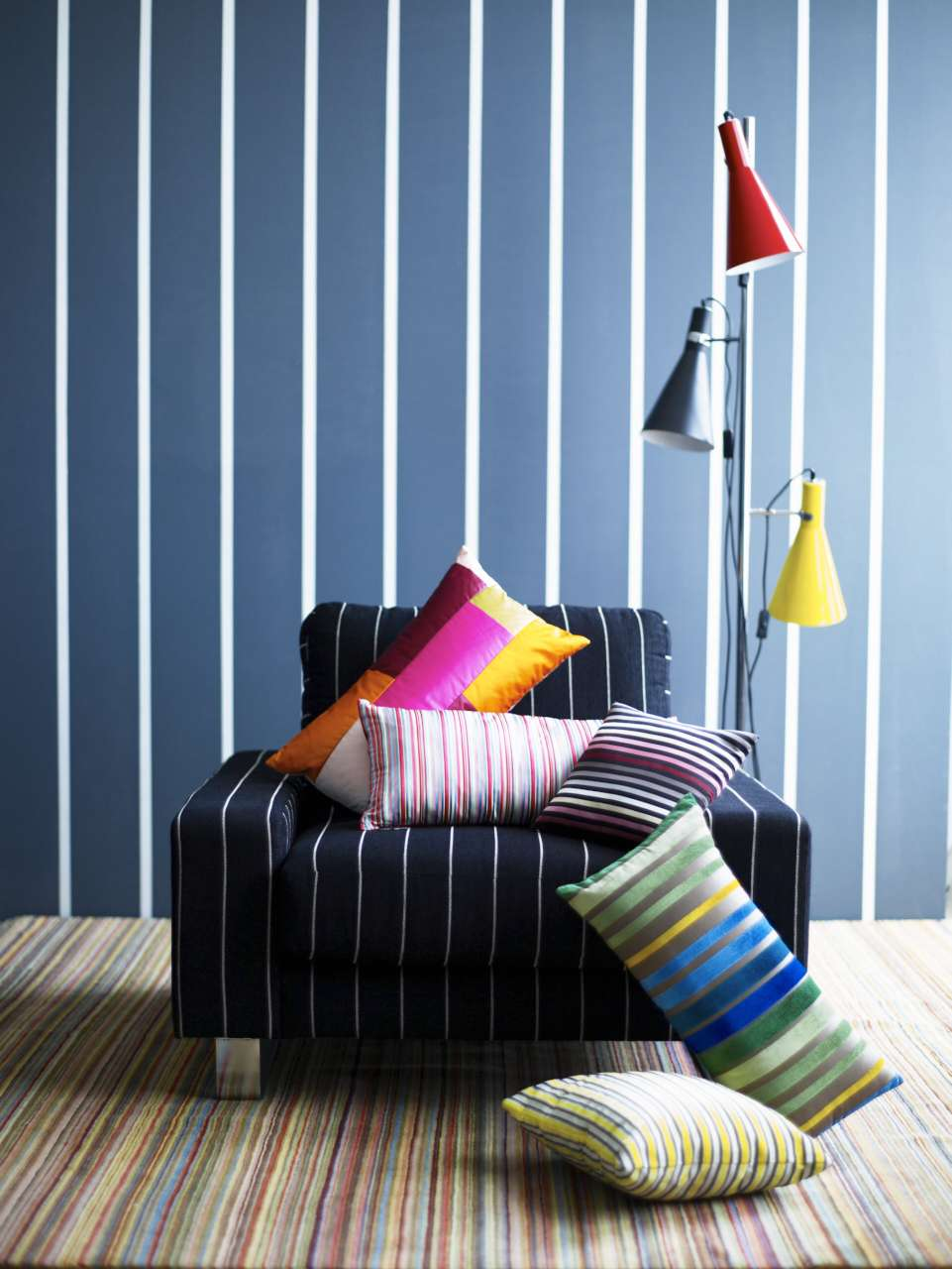 CIN-00028449 Striped Black Armchair-002