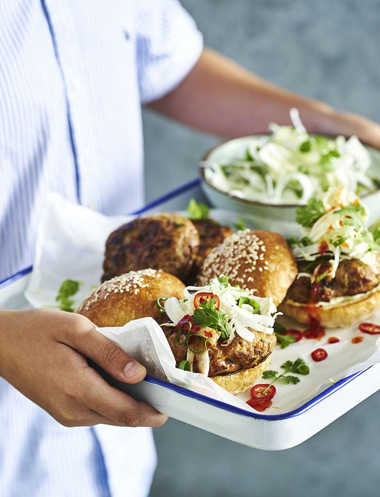 C1594BE1 Pork and miso burgers with slaw 075