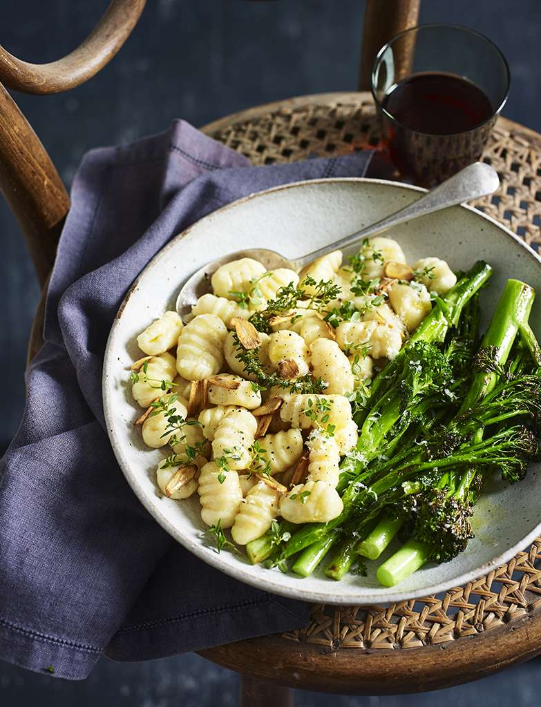 C15A8901 POTATO GNOCCHI WITH GARLIC AND THYME WITH GREENS 196